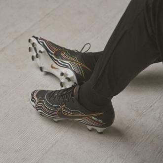 Nike e Invertex per scarpe personalizzate
