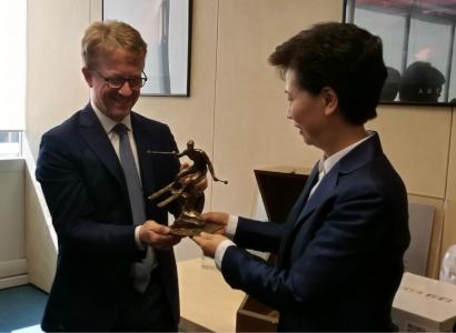 La Cina incontra Tecnica Group con interesse