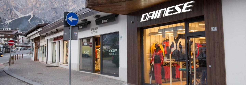 0x0-Dainese_Store_Cortina__2_von_14